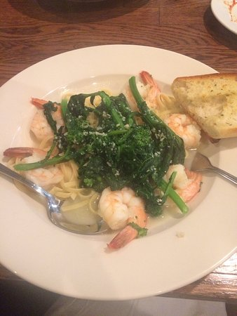 Little Falls, NJ: Shrimp and Broccoli Rabe
