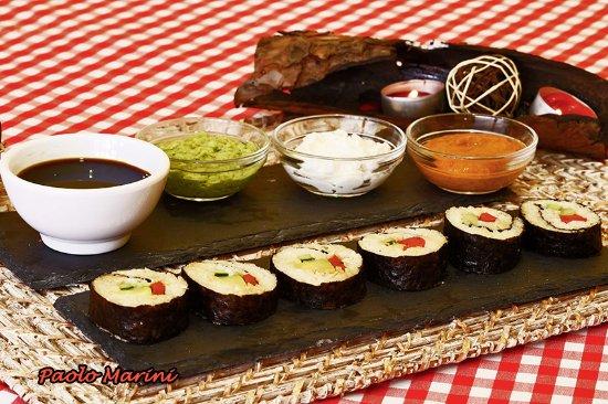 Vecindario, Spanyol: Sushi vegetarianos con salsas
