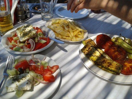 Poros, Grecja: mmmmmmmmmm