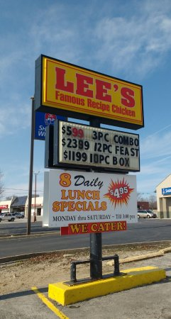Saint Marys, OH: Sign outside of Lee's Chicken