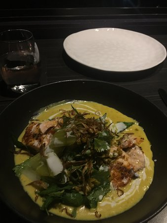 Yandina, Australia: Salmon and turmeric main - superb!