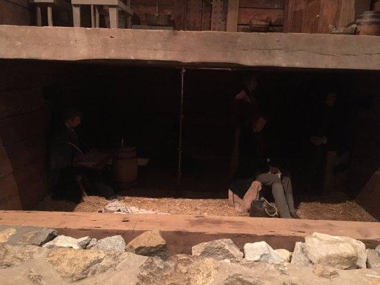 Liberty, MO: Jail cell wall and original floor
