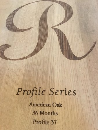 Plymouth, Kalifornien: American Oak Barrel