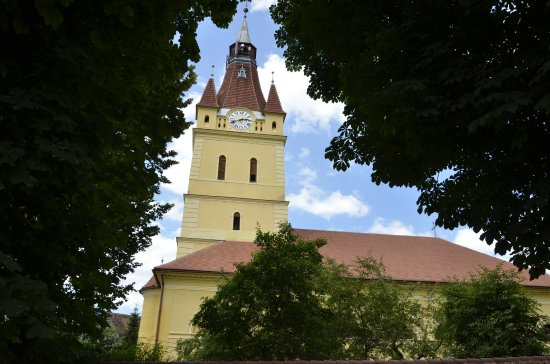 Villages with Fortified Churches: Iglesia fortificada de Cristian (Brasov)