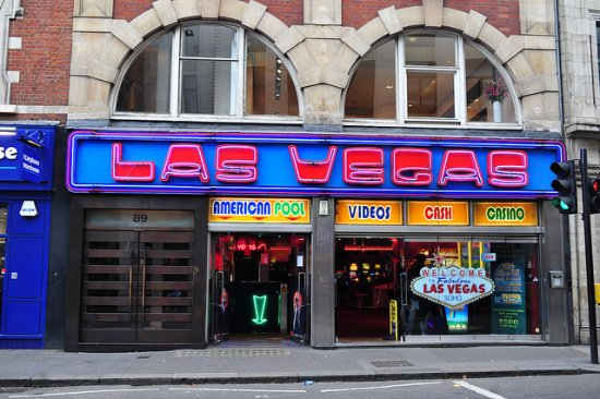 Las Vegas Arcade Soho : as you see there are two doors, 1st door with arrow goes to the underground arcade