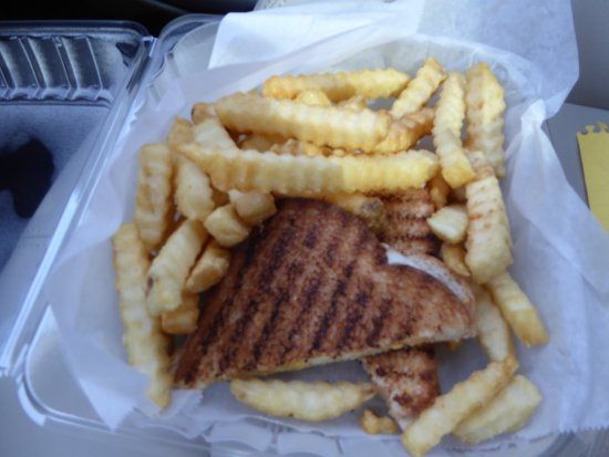 Marshall, VA: Grilled Cheese with Fries