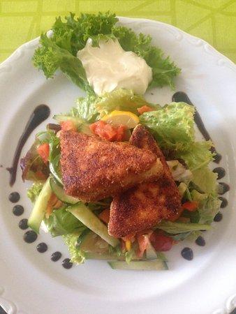 Ahrensfelde, Germany: Vegetarischer Salat mit Fetaecken