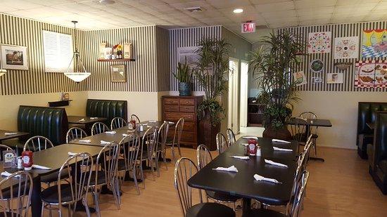 Windsor Locks, CT: Dining Area