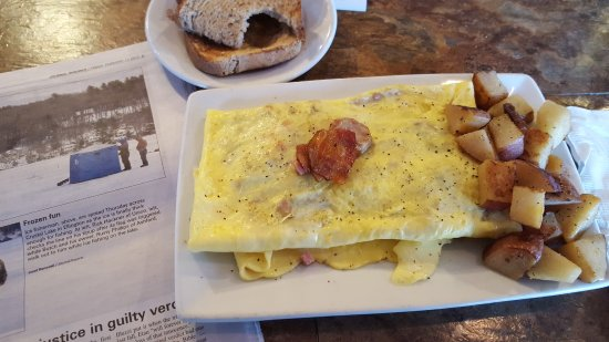 Windsor Locks, CT: Pillow Omelette