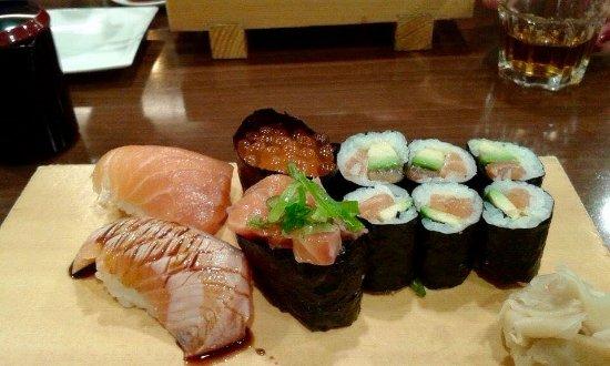 Yabase: Salmon sushi plate