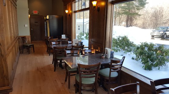 Avon, CT: Dining Area
