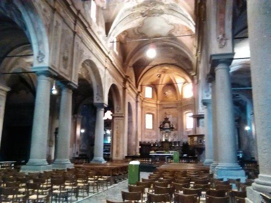 Chiavenna, Italy: navata centrale