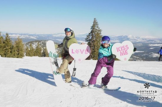 Truckee, Californie : Valentines Day, Mother / Daughter fun day snowboarding together