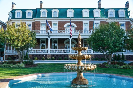 The Martha Washington Inn and Spa: The Martha!