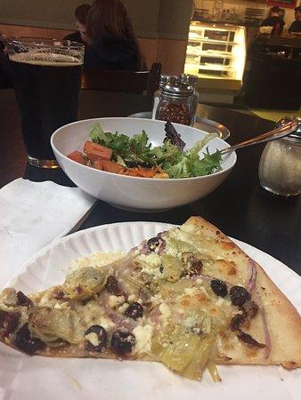 Sweet Basil Pizzeria Foto