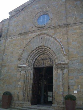Monte San Savino, Italia: portale