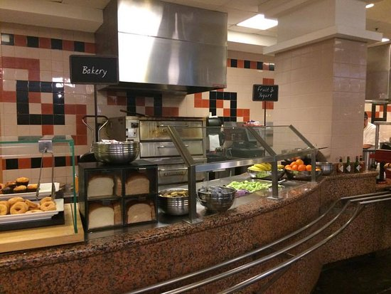 Embassy Suites By Hilton Anaheim South: Breakfast Area
