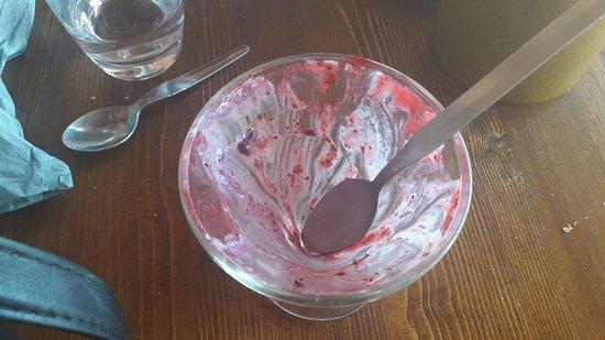 Les Gets, Frankrike: après avoir mangé la glace vanille myrtilles ;)