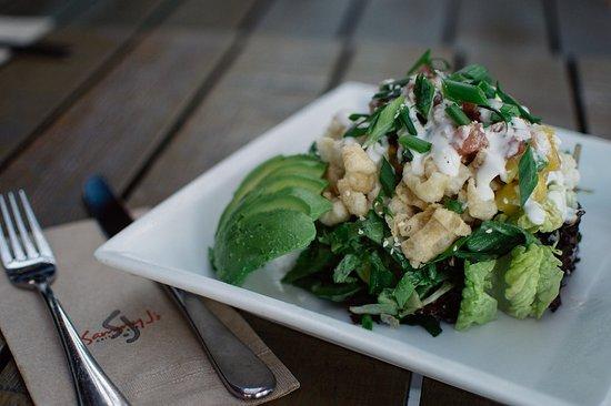Coquitlam, Canadá: Wicked Tuna Salad