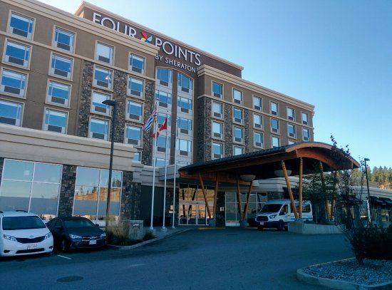Four Points by Sheraton Kelowna Airport: Exteriör av hotellet