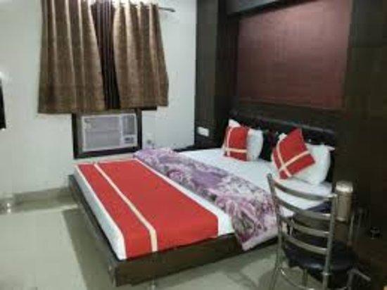 Hotel Shivam International: 9k=_large.jpg
