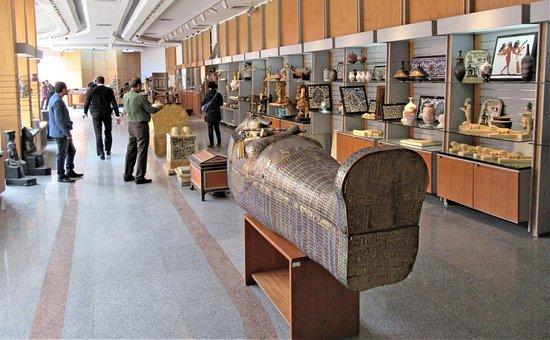 Museum gift shop fotograf a de museo de antig edades for Cairo outlet