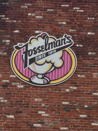 Photo of Restaurant Fosselman's at 1824 W Main St, Alhambra, CA 91801, United States