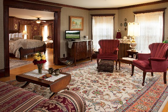 Westby, WI: Sitting Room within the Tower Room