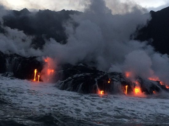 Pahoa, Hawaje: You have to be there to believe it...Call Big Island Lava Boat TODAY!!