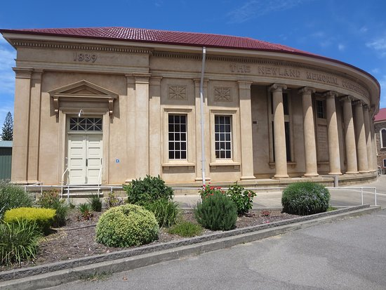 Victor Harbor, Australia: Distinctive columns