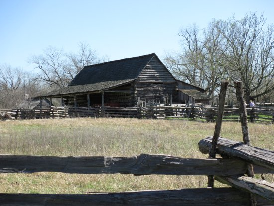 Washington, TX: Barn and period split rail fencing