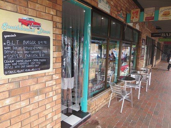 Normanville, Australien: Shopfront in main street