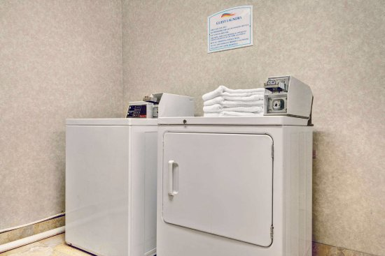 Jeffersonville, OH: Guest Laundry