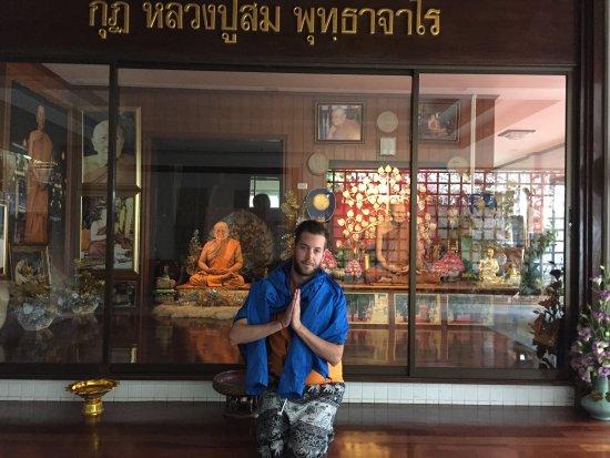Wat Tham Pha Plong: photo1.jpg