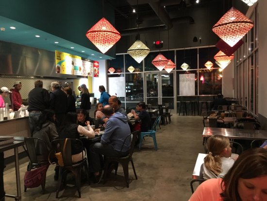 Alpharetta, GA: The vegan sampler and inside view of restaurant