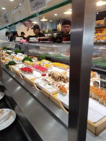Natick, MA: Sushi bar