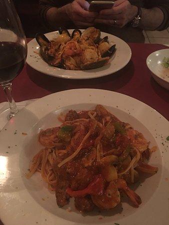 Fratelli Italian Restaurant : photo1.jpg
