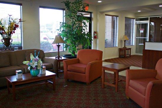 Quality Inn: Reception area