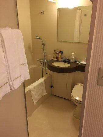 Nagoya Sakae Tokyu REI Hotel : ゆとりのあるバスルームじは〇