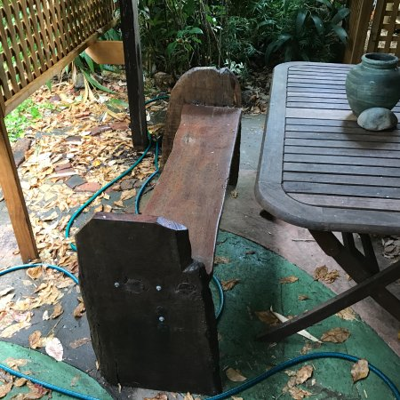 Nannup, Australia: Rustic chair out side in shady pergola.