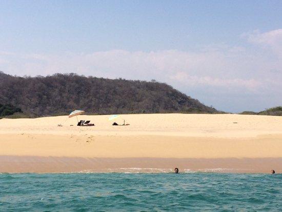 Crucecita, Mexico: Secluded beach