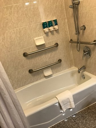Drury Inn & Suites Dayton North: photo1.jpg