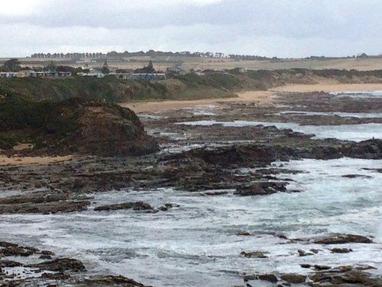 Kilcunda, Australia: Photo from Bass Walking Track looking at the Oceanview Retreat.