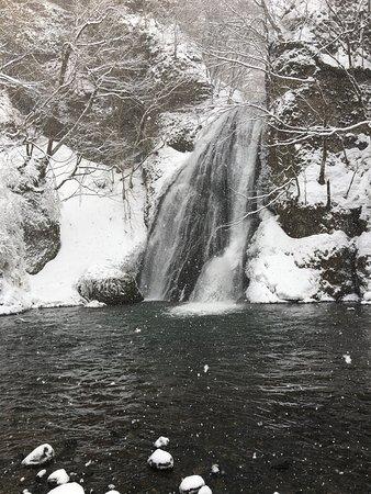 Fujisato-machi, ญี่ปุ่น: 滝正面から