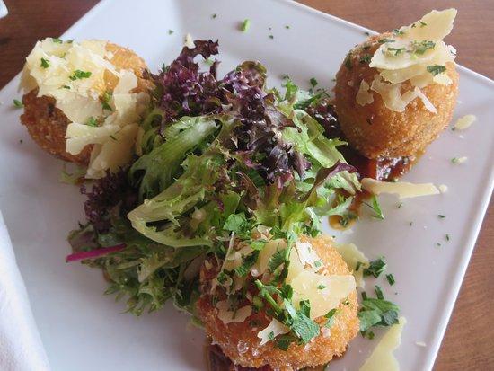 Strathalbyn, Австралия: Arancini balls