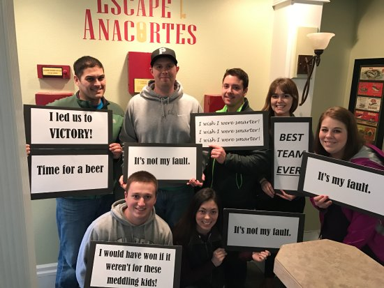 Anacortes, Waszyngton: This team almost made it with zero clues. Excellent work! Thanks for coming out!