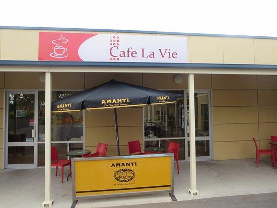 Cafe La Vie: Shopfront