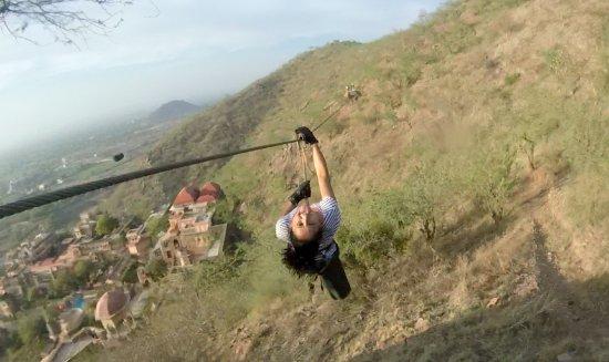 Flying Fox Neemrana: Flying time with Flying Fox!