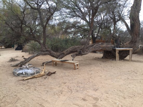 Usakos, Namibia: Bbq area next to our pitch.