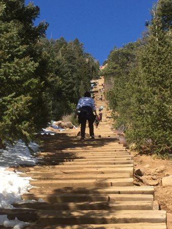 ‪Manitou Springs Incline‬